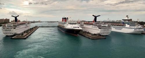 cruise_ships_at_dock